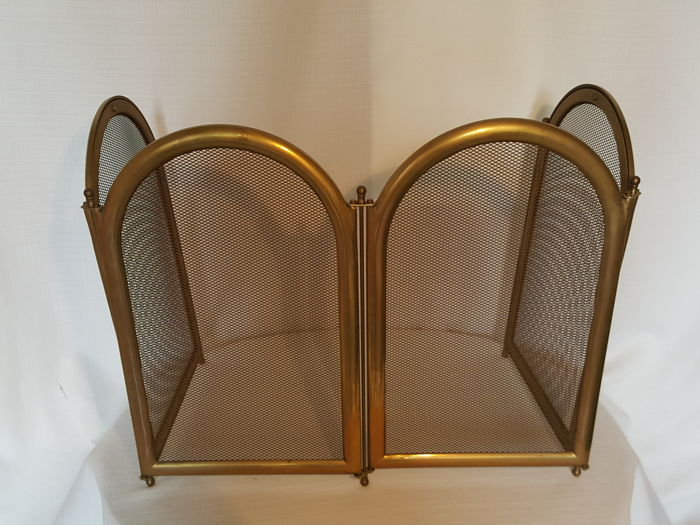Solid copper hearth screen, 4 panels and weight is 5 kg