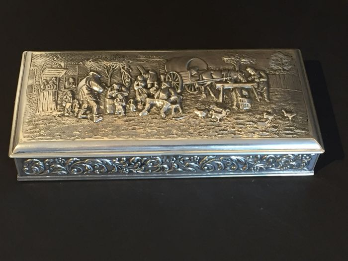 Silver cigar box in old-Dutch style, H. Hooijkaas, 1966