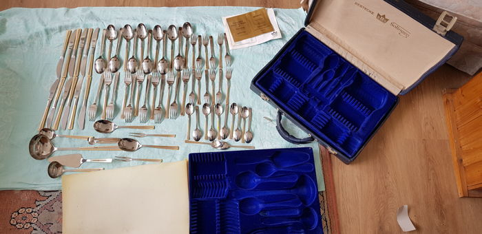 SBS Solingen cutlery - 69 - piece complete - 24 carat gold plated - including accompanying case