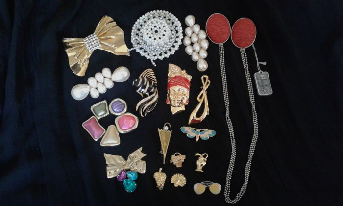 Charming collection of seventeen pins - 1970s/80s - signed Sharra Pagano and Wilma Spagli