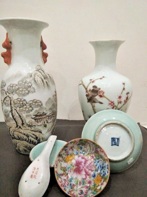 Group of porcelain vases and small plates - China - first half 20th century