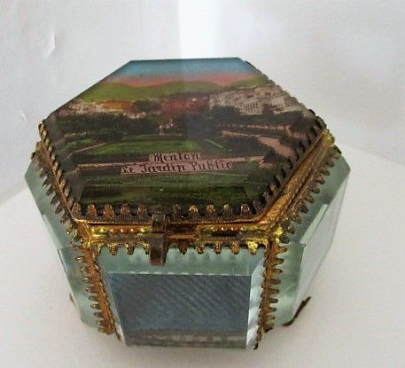 Jewellery box in bevelled crystal with reverse glass painting and gilded metal from Menton, Napoleon III - C. 1880 - France