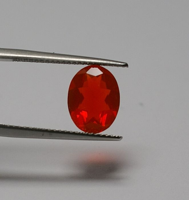 Fireopal - red orange 1.65 ct  - No reserve