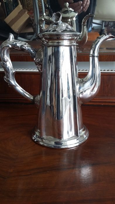 F J Fowler  sheffield coffee pot silver plated made in englend.