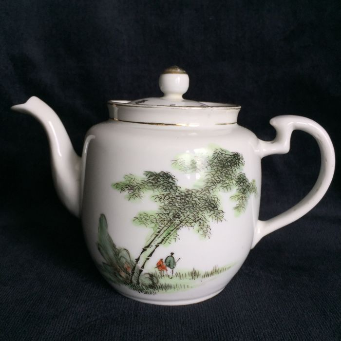 Teapot - China - Famille rose - around 1920