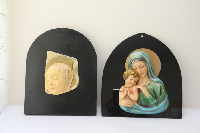 Pair of bas-relief works in coated plaster on wood and smoked glass - Italy - 1950 and 1960