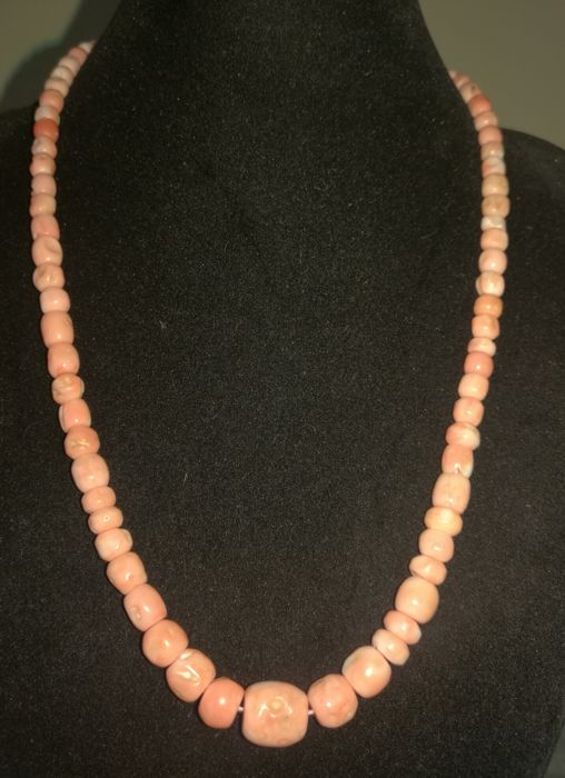 Necklace of genuine coral - Clasp in 750 gold
