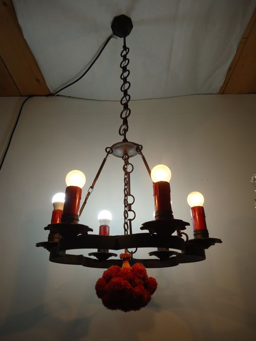 Medieval style metal chandelier with six lights, E27 lightbulbs -   late 20th century - Italy