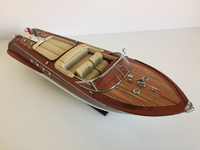 Riva Aquarama 660mm boat model