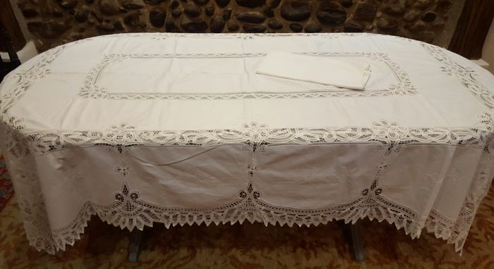 XL tablecloth handmade embroidery and handmade lace ribbon - 12 napkins - 260 x 175 cm