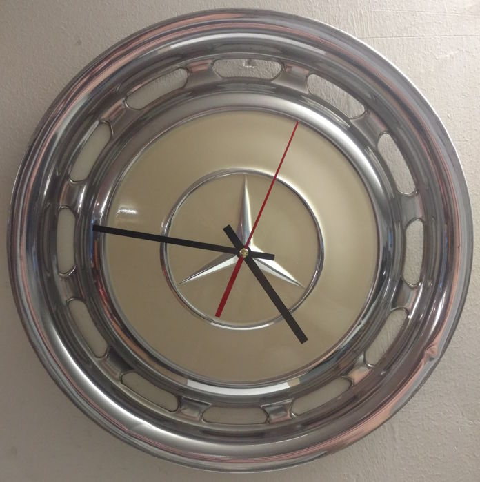 Mercedes clock made of a hubcap - Cream white