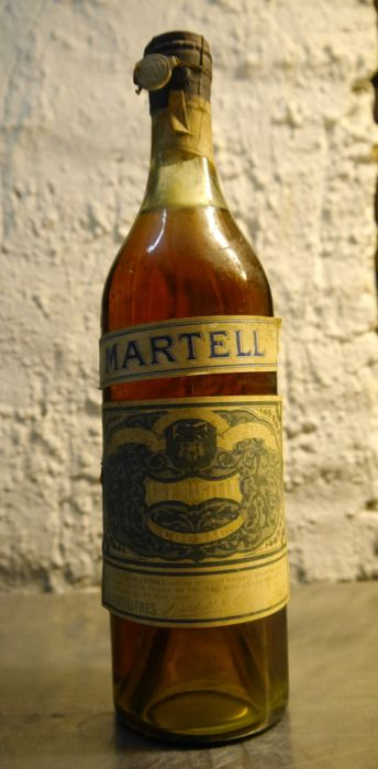 Very old 72cl Cognac Martell three star bottle from the 1940s - 1 bottle