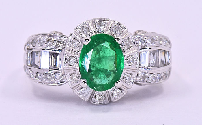 2.40 Ct Emerald with Diamonds, designer ring ***NO RESERVE price!***
