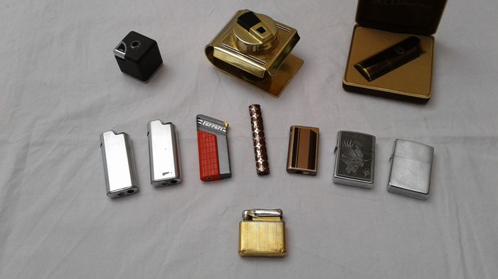 Batch of 10 lighters of various brands and models and 1 lighter case branded Gucci