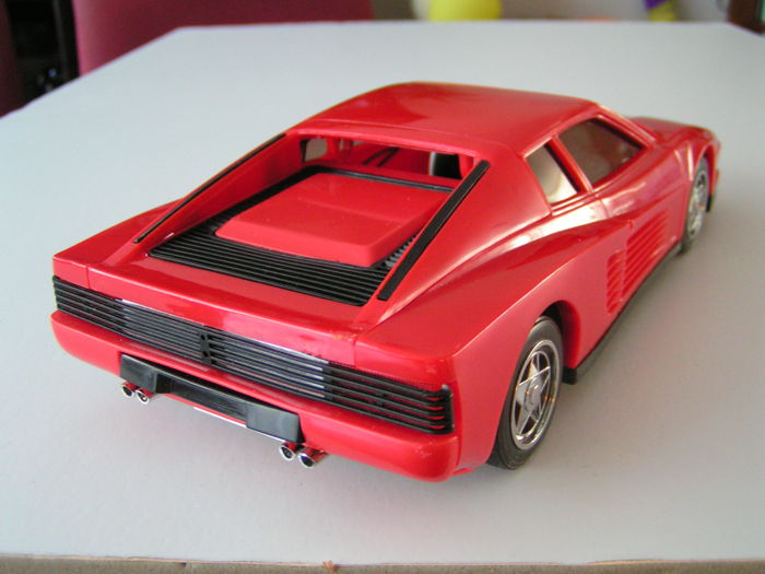 Ferrari Testarossa AM radio in original box