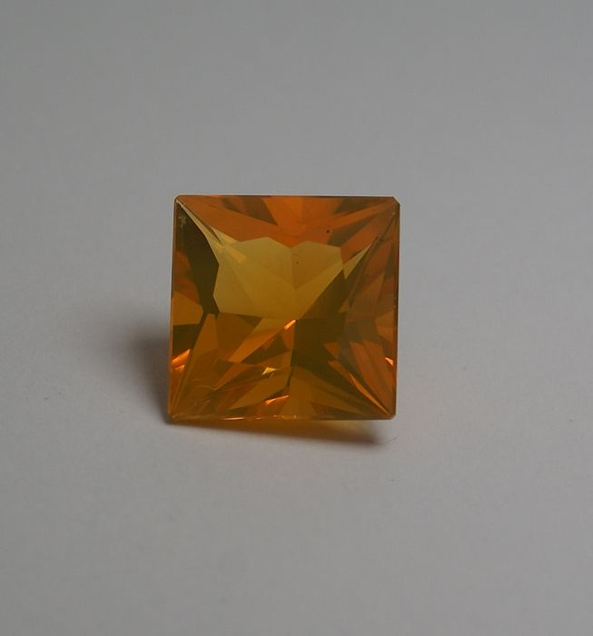 Fireopal - yellowish orange - 7.05 ct total