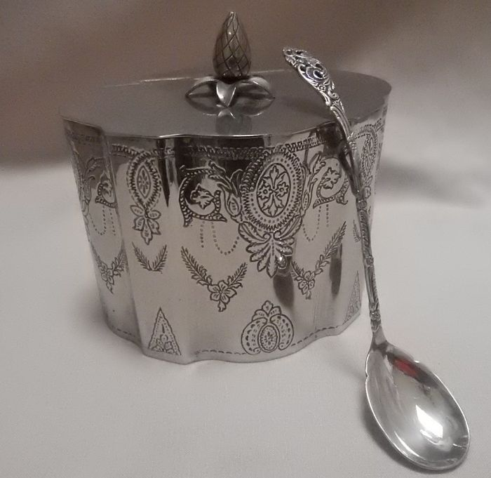 Victorian silver plated tea caddy + silver plated scoop