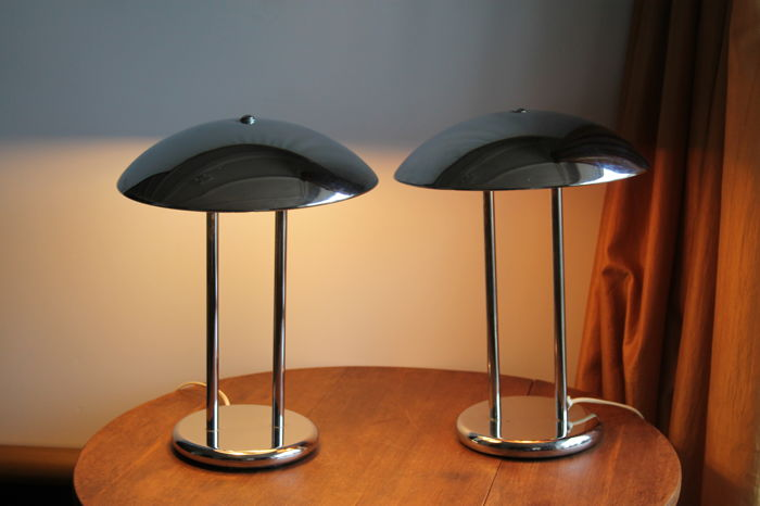 Unknown manufacturer - Two vintage chrome plated Mushroom shaped, Art Deco style lamps