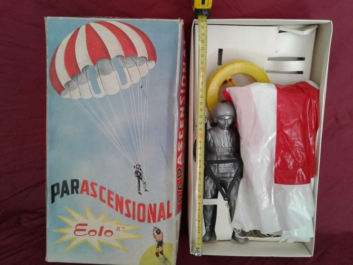 Parascensional, paratrooper, plastic toy - 1950s/60s - Italy