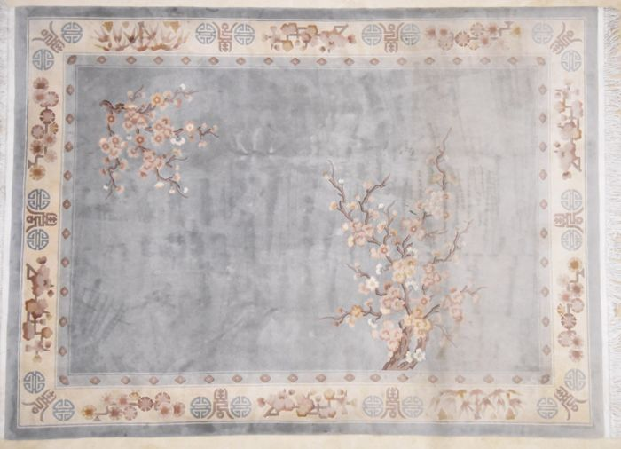 China with silk, 344 x 250 cm
