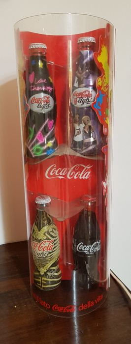 Coca Cola lamp/display with 4 full glass bottles inside