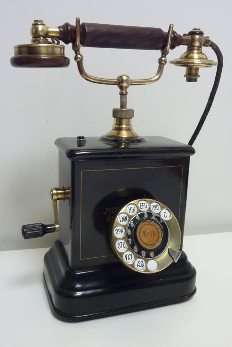 An office desk telephone Danish KTAS telephone JYDSK Telefon Aktieselskab ca.1904
