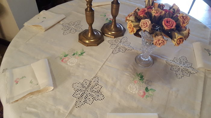 XL square tablecloth handmade embroidery and Lagartera frayed work - 6 napkins - 146 x 146 cm