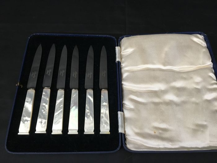 6 Mother of Pearl Knives with Box