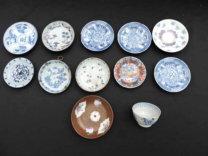 13-part porcelain dishes and bowl - China - 18th and 19th century