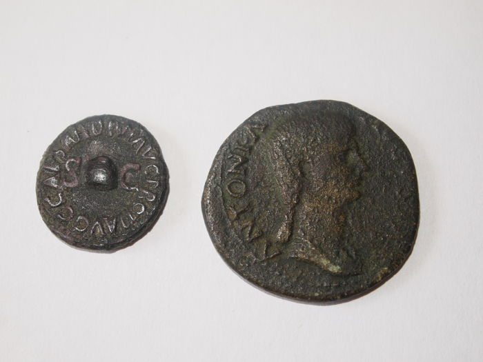 Roman Empire - Lot 2x AE: Quadrans of Caius Caligula (37-41 A. D.) mint of Rome pressed in the year 39 A. D. and Dupondius Antonia (37-41 A. D.) pressed 41-2 A. D.  (2x)