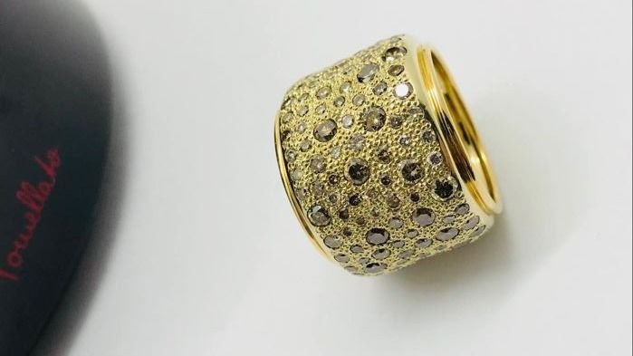 Pomellato - 'Sabbia' ring in 18 kt gold with diamonds