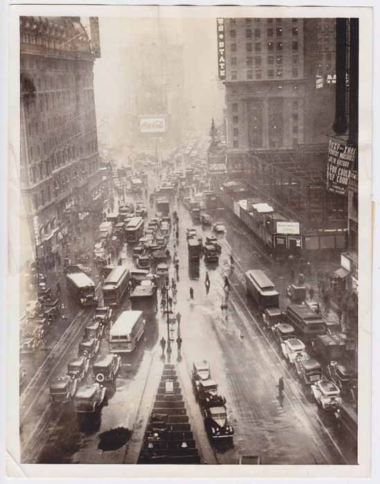 Unknown/INP/ Cleveland News - New York City -Times Square, 1936 / Broadway, 1938