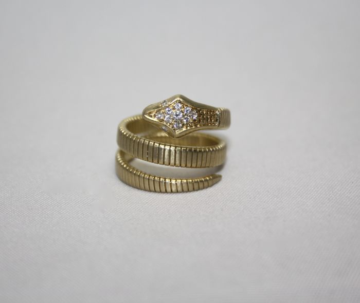 18 kt yellow gold serpent ring with brilliant cut diamonds, 0.23 ct, size 54