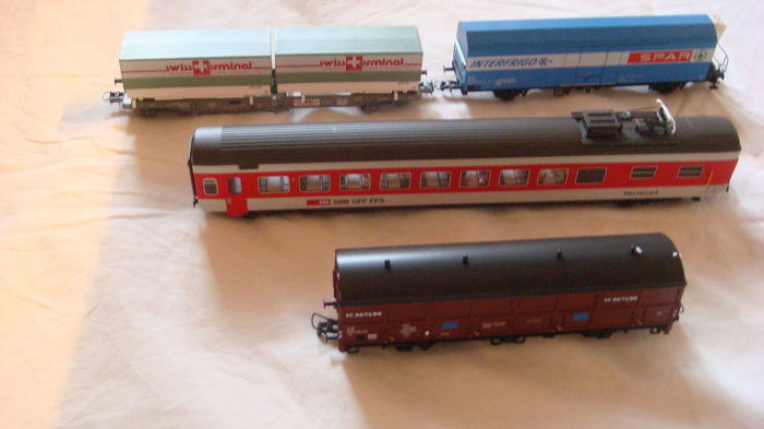 Roco H0 - 44473, 46585 ,  46556 ,47698 - Freight carriage, Passenger carriage - FS, NS, SBB-CFF