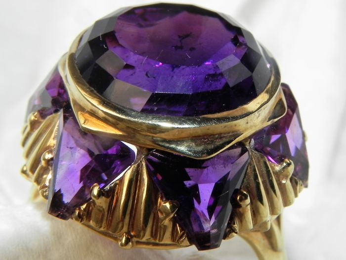 Finely worked XXL cocktail ring 14 KT – 585 gold with amethyst amethysts almost 10 g