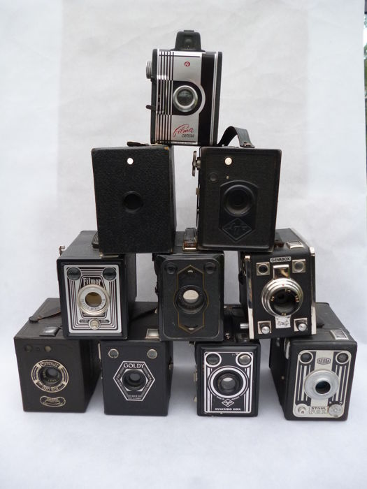 10 old cameras (1950s/60s) Box