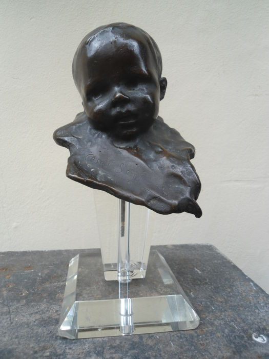 Cesar Santiano (1886-1919) - Bronze head of a baby - early 20th century