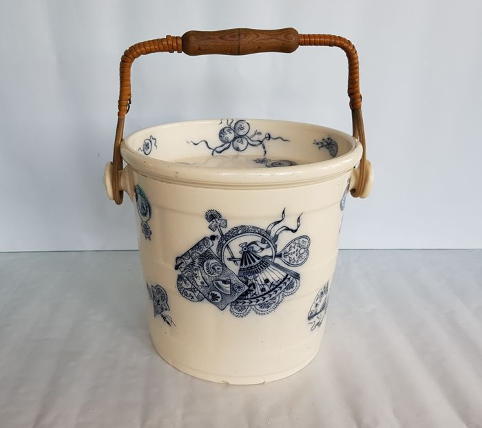 Petrus Regout - Earthenware (Faience) toilet bucket complete with handle and original lid, decor Fan - Maastricht, circa 1880