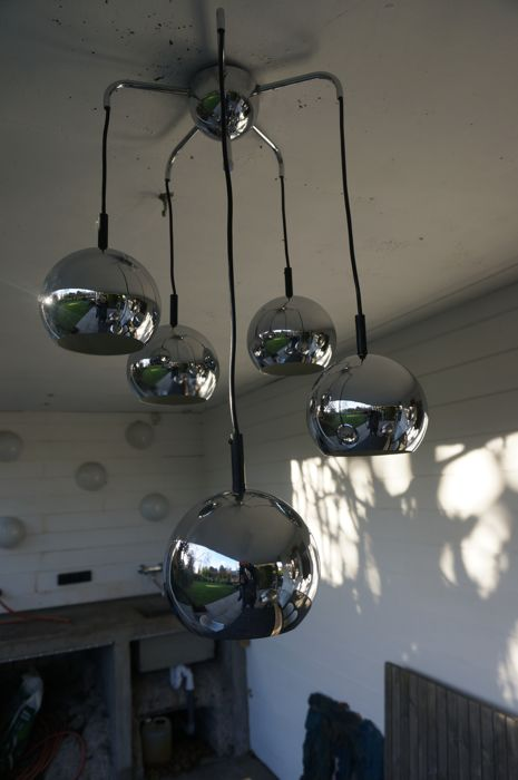 Unknown designer - Lustre with chrome spheres