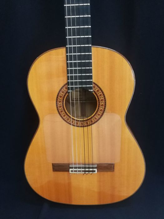 MANUEL RAIMUNDO FLAMENCO GUITAR, 160 MODEL. 1999