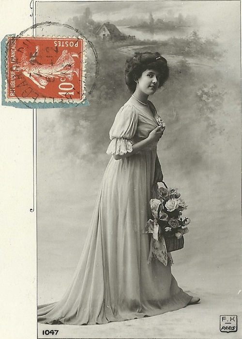 Wishes and pretty women. 101 old greeting cards , women and flowers, one Art Nouveau card (1900-1930) 101
