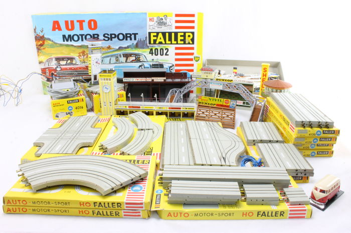 Faller H0 - Grote verzameling Auto Motor Sport - Scenery - Starter set with extra roads and racing accessories