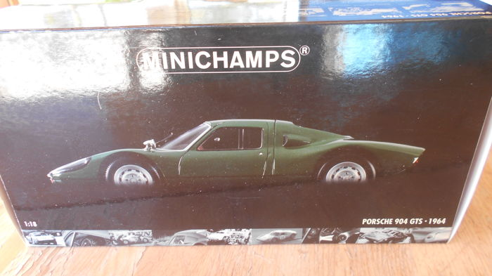 Minichamps - Scale 1/18 - Porsche 904 GTS 1964 - Green