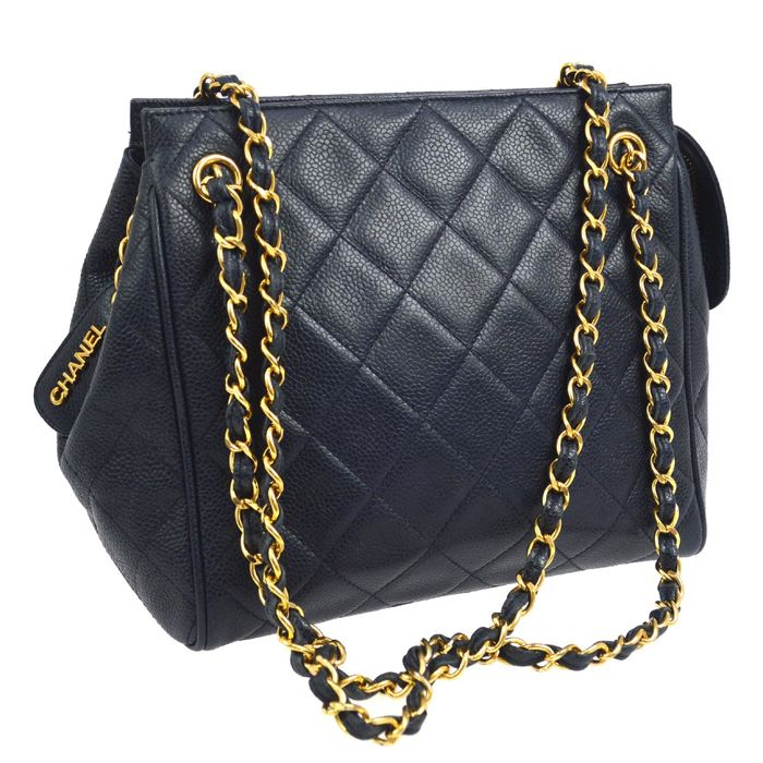 scarpe sportive a7cad 3ee7f Chanel - Tracolla in pelle trapuntata Shoulder bag - Vintage - Catawiki