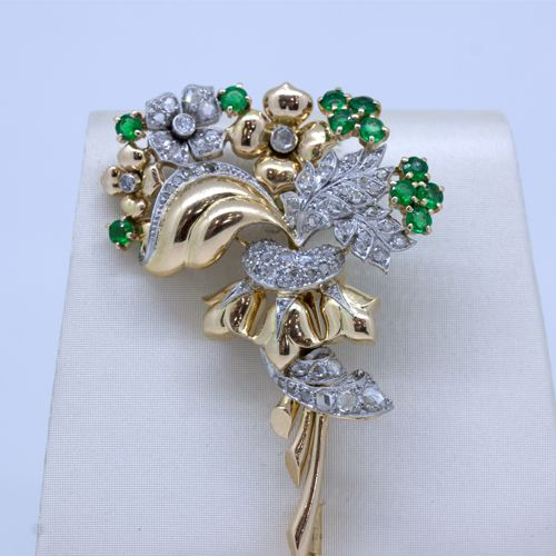 Vintage brooch gold with diamonds and emeralds
