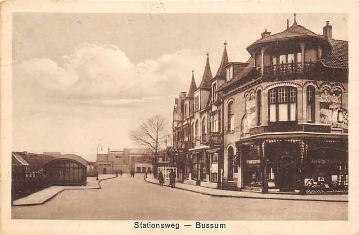 Bussum with beautiful streetscapes 96x