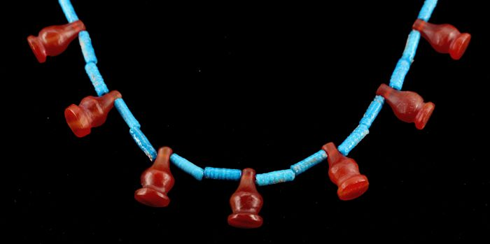 Egyptian nacklace with faience, lapis and 21 carnelianPoppy beads. - c. 23,62 inches - ca. 60cm.