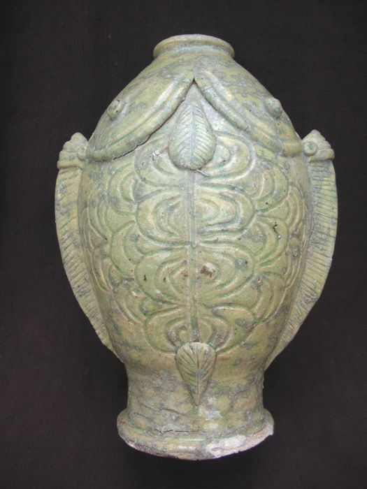 Chinese Tang - Five Dynasties period celadon Double fish bottle