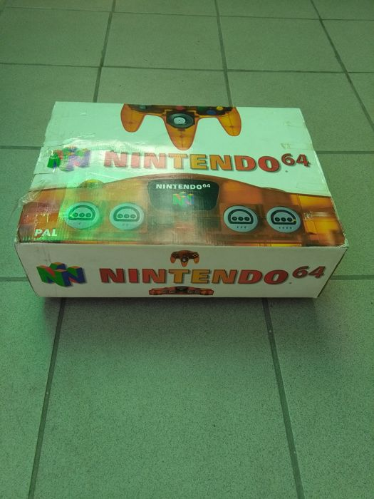 Nintendo 64 - Orange version - boxed and rare