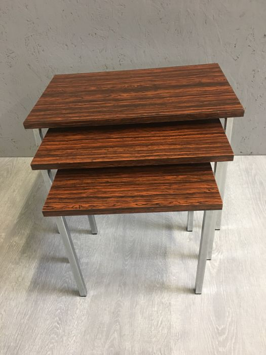 Manufacturer unknown - Vintage nesting table set